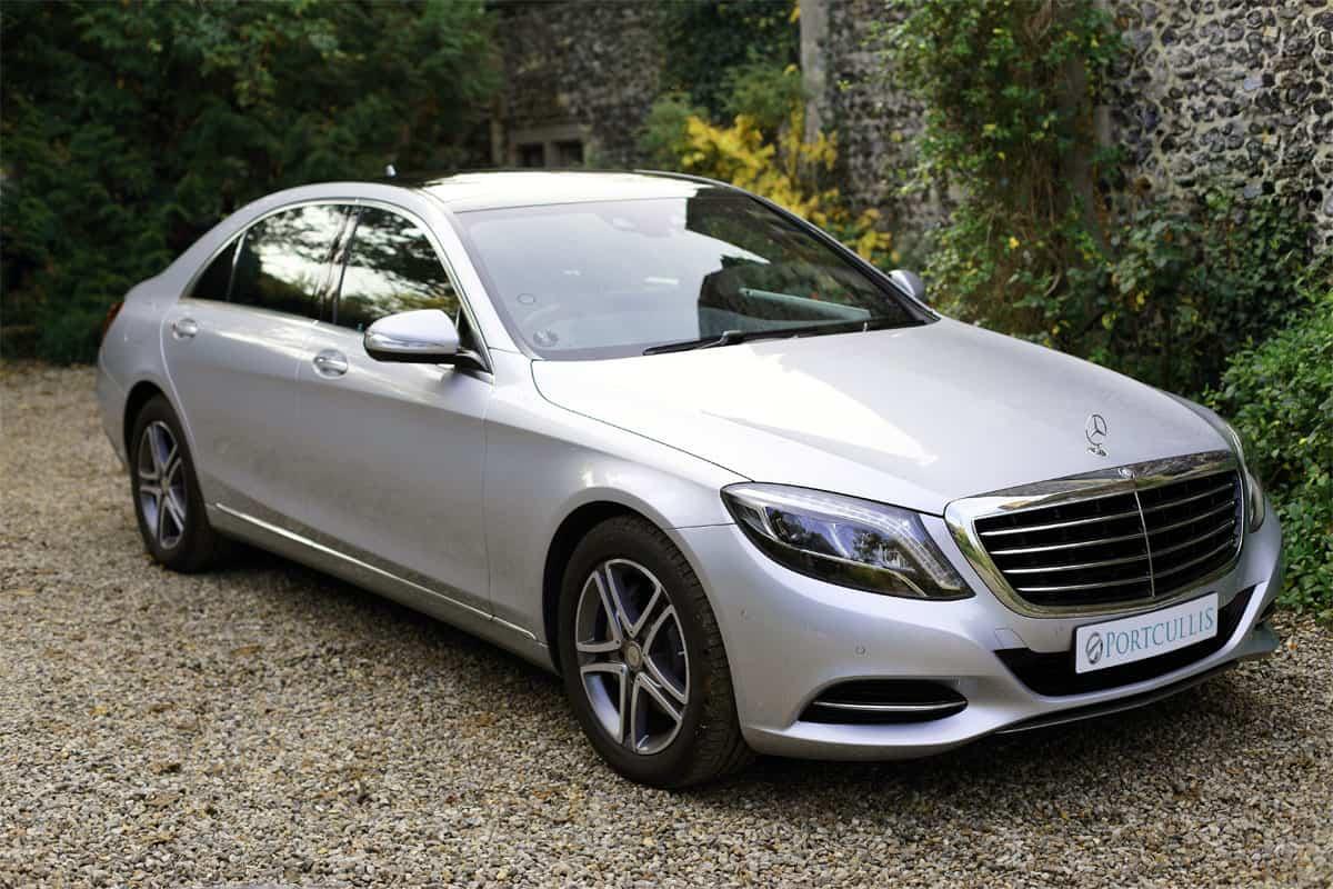 Portcullis Executive Travel   Mercedes Benz S-Class Chauffeured Car Exterior