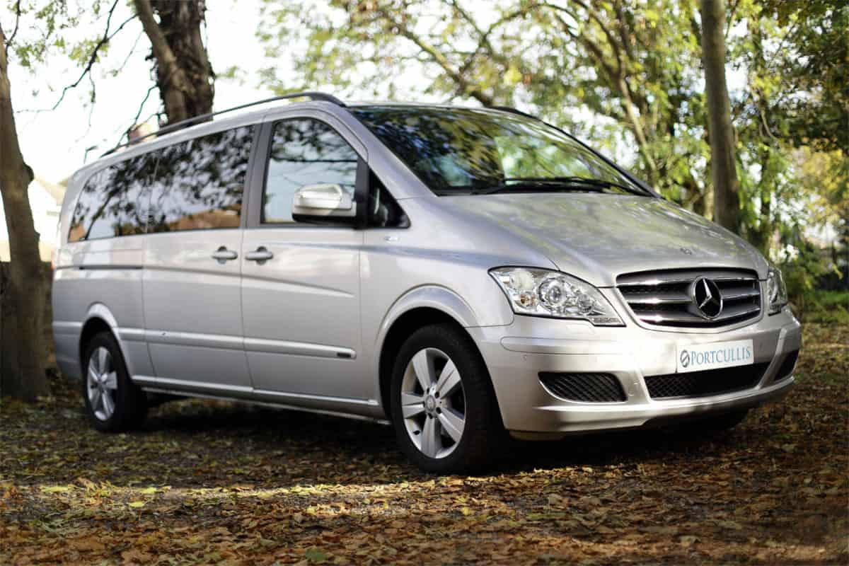 Portcullis Executive Travel   Mercedes Benz Viano Chauffeured Car Exterior