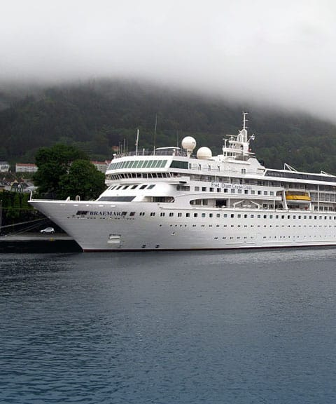 Portcullis Luxury Chauffeured Cars | Cruise Terminal Transfers - Photo by Jorge Andrade CC BY 2.0)